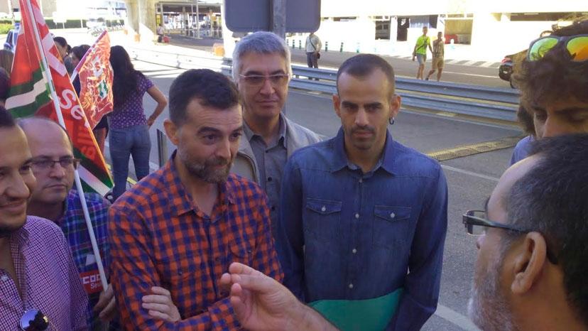 Maíllo, Bustamante y Manolo Lay se solidarizan con los trabajadores del servicio contra incendios de AENA en el Aeropuerto de Sevilla