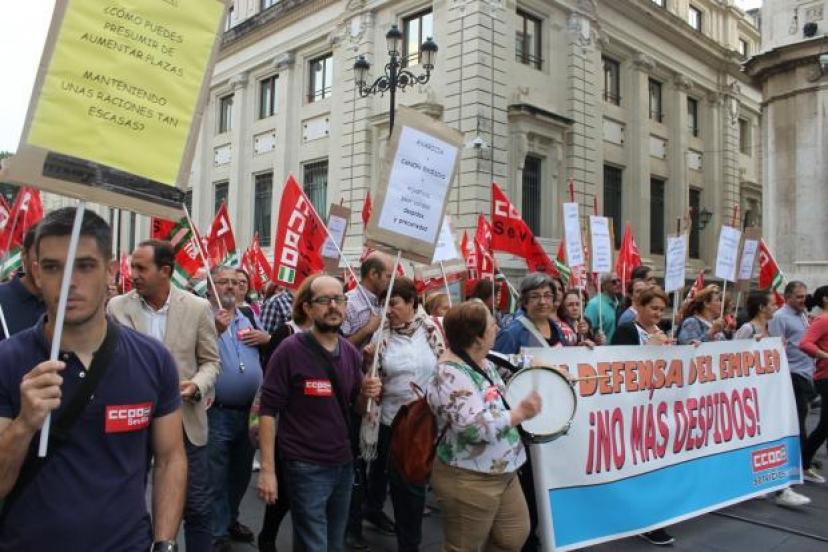 Apoyamos la huelga en los comedores de 32 colegios de Sevilla y pediremos un cambio en el modelo de gestión de este servicio