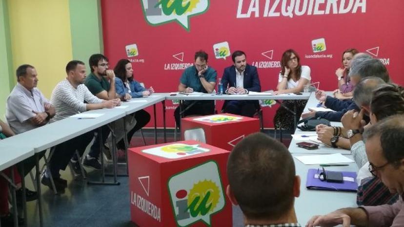 Encuentro con Alberto Garzón para analizar la situación del ferrocarril en La Campiña y Sierra Sur