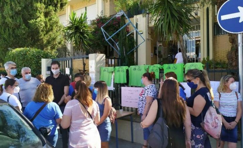 Izquierda Unida alerta de los ataques a la Educación Pública en Dos Hermanas