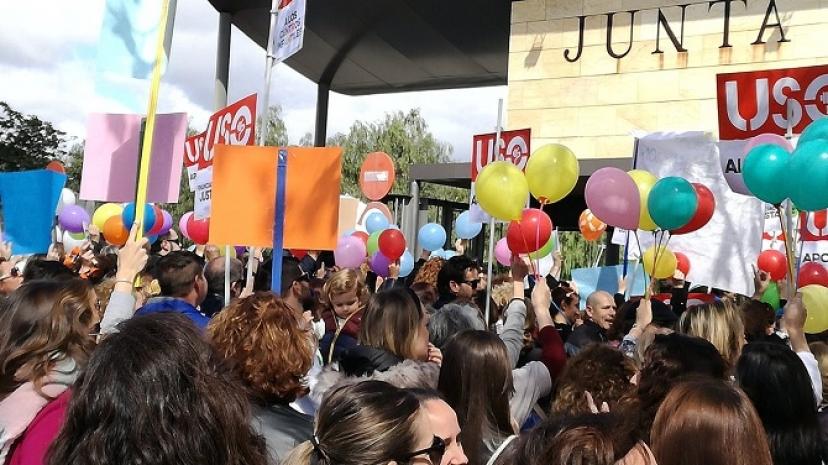 Apoyamos la concentración contra el #DecretazoEducacion0a3años